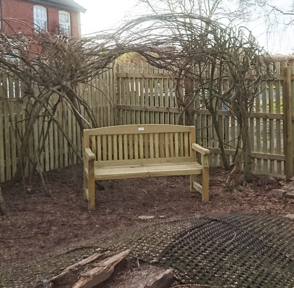 Wooden fences, planters and bench for Blagdon Primary School