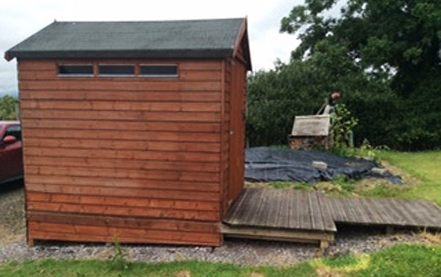 Somerlap toilet shed