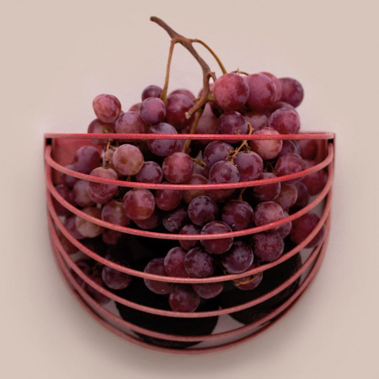 Wall basket with grapes