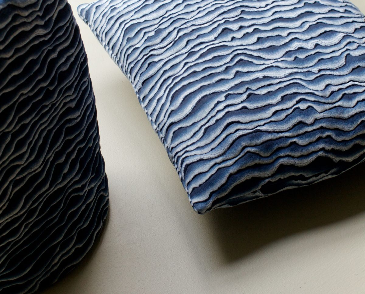 Blue pillowcase with waved texture