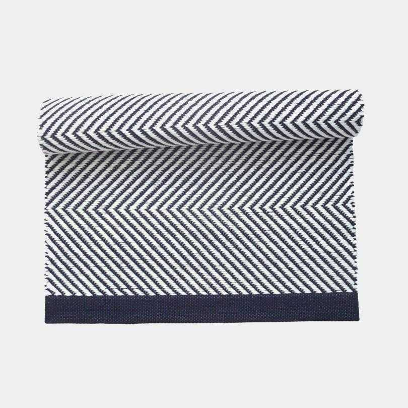 Zikzak Navy Cotton Rug by Leeda Ots