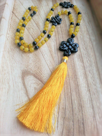 Yellow Jade and Onyx Necklace
