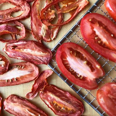 Picture of sliced plum tomatoes