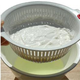 Lift strainer from bowl