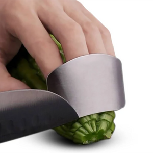 2PCS Kitchen Finger Protector Hand Cut Safe Guard Tool