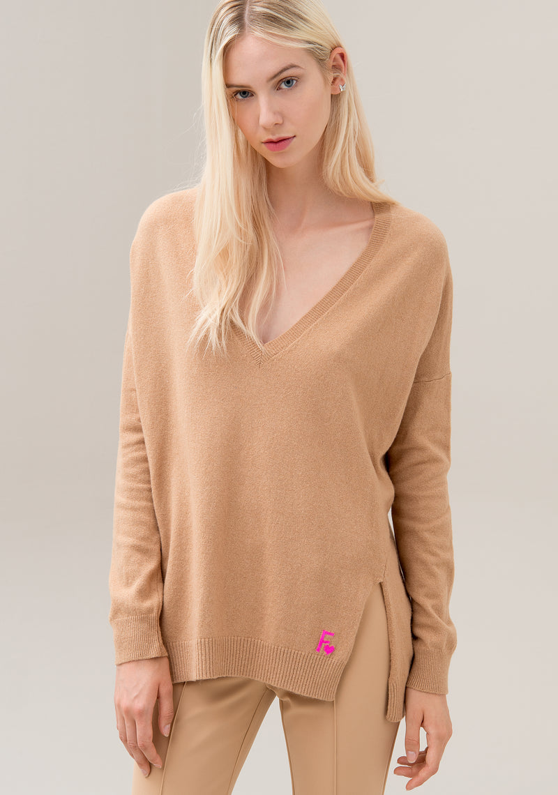 Knitwear wide fit with deep V-neck made in wool and cachemire