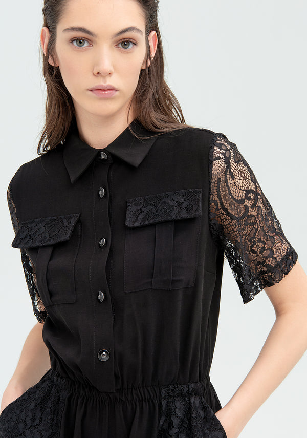 Short jumpsuit with lace
