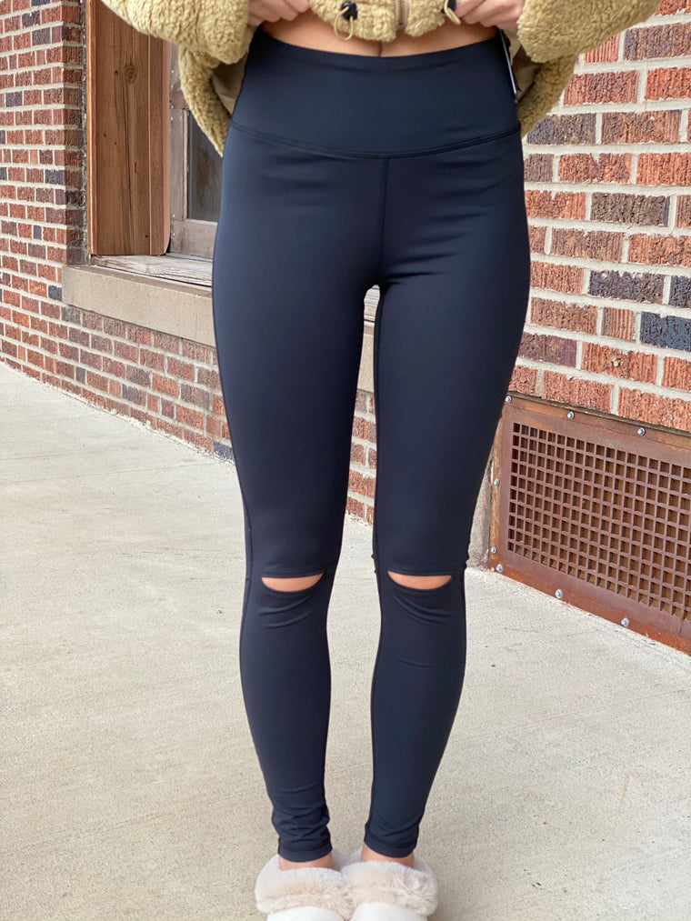 KNEE CUTOUT LEGGINGS