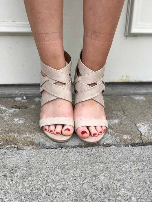BRODY STRAPPY WEDGE