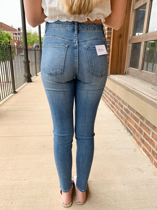 PRETTY IN PEARL JEANS