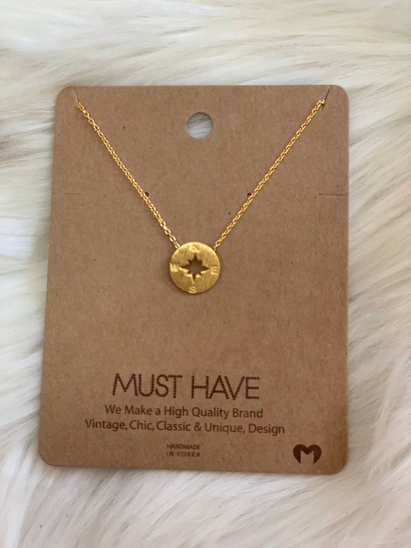 MUST HAVE NECKLACE: COMPASS