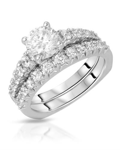 Brand New Ring with 0ctw cubic zirconia  Metallic alloy