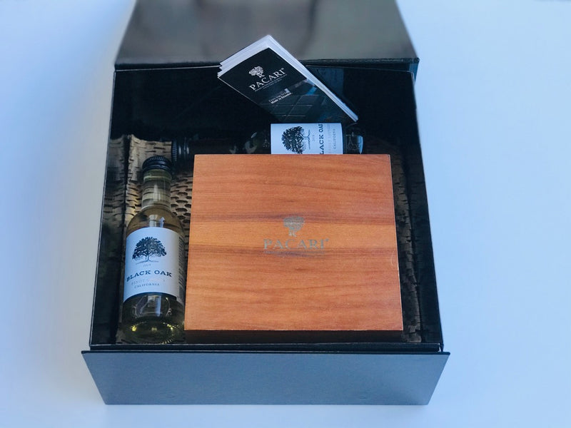Ultimate Experience: Wood Gift Box + Wine