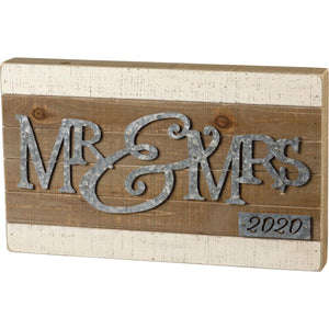 Slat Box Sign - Mr & Mrs 2020