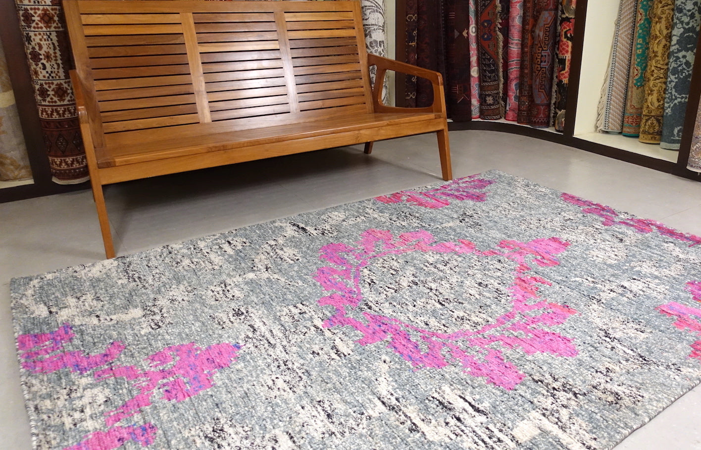 5 feet by 7.5 feet saree silk modern rug.