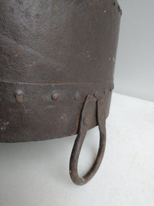 KF1097 - Hanging Iron Pot