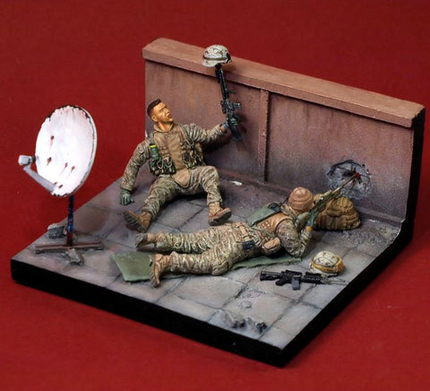 Scale Models 1/ 35 U.S. MARINES Iraq 2 soldiers include the base   figure Historical  Resin Model