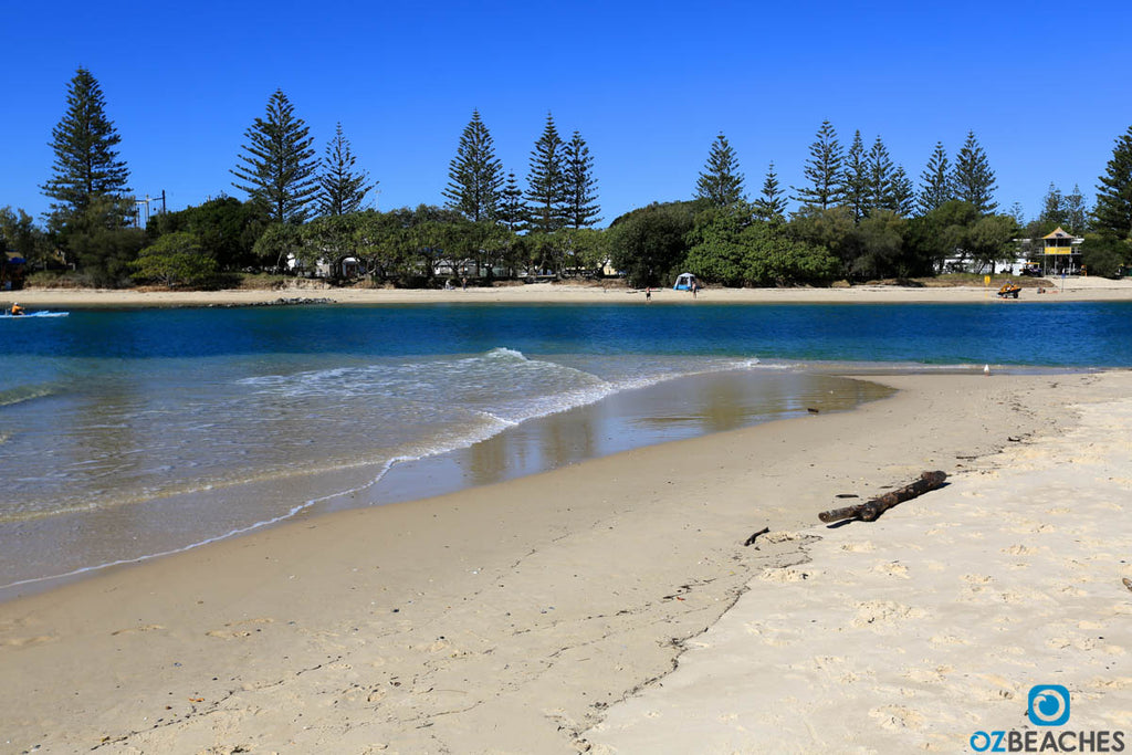 Sunny day at Tallebudgera Ceeek, Burleigh Heads QLD