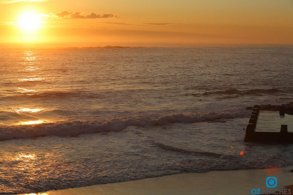 Sunrise at the southern end of Coogee Beach