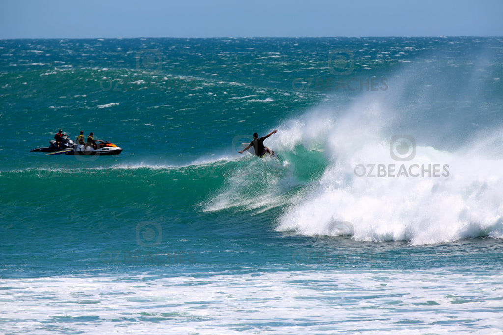 Kirra Beach Cyclone Oma Swell February 2019