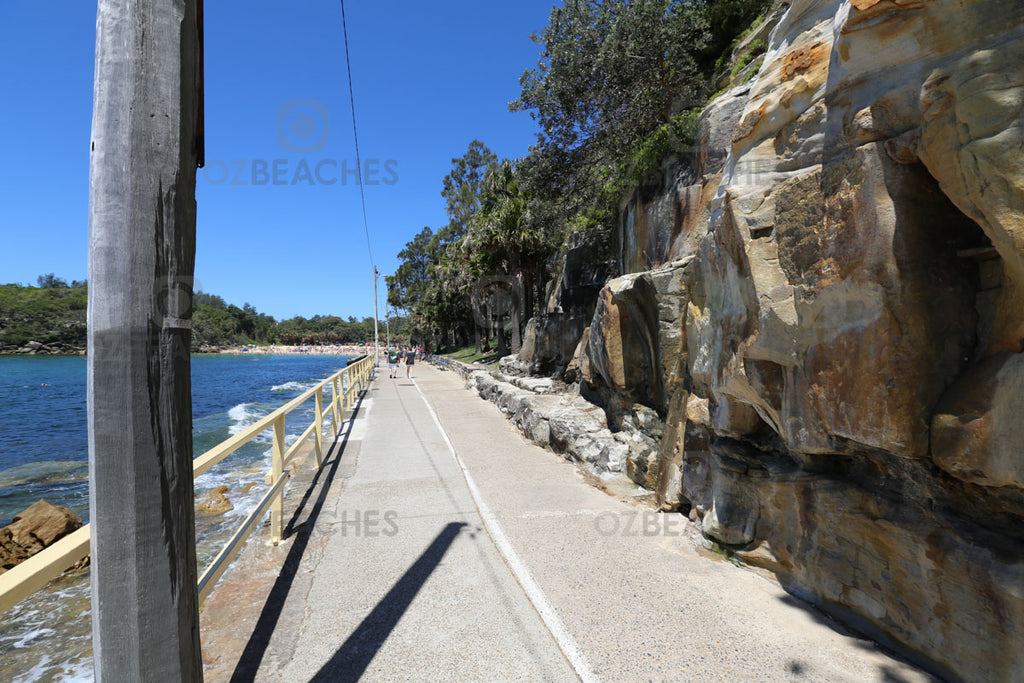 A quiet day along the Manly promenade