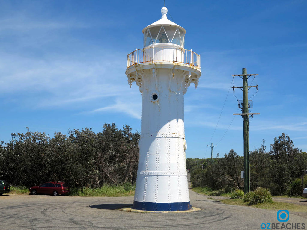 The lighthouse at Warden Head is active and has a range of appx 25km's