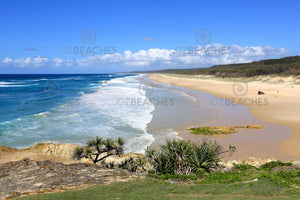 Photograph of a clear sunny day at Point Lookout Beach, North Stradbroke Island QLD