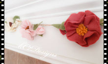 Flower Garland, felt flower Garland. Felt flowers. Garland. Babies room. Wedding Garland. Wedding decor. Baby shower. Felt. Blush flowers