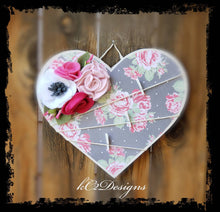 Message board. Note board. Shabby chic flowers. Prayer board. Heart note board. felt flowers. college dorm. Frame. Picture