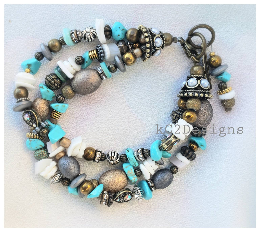 Bracelet. Beaded bracelet. Southwestern bracelet. trends. Holiday gift. Beaded jewelry. Silver beads. Gifts for her. 7.5 inch bracelet. 2020