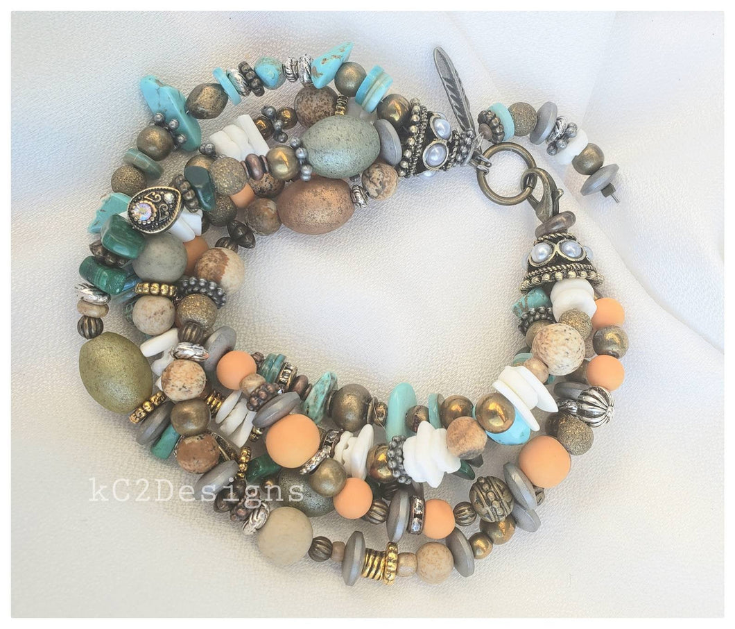 Bracelet. Beaded bracelet. Southwestern bracelet. trends. Holiday gift. Beaded jewelry. Natura beads. Gifts for her. 7.5 inch bracelet. 2020