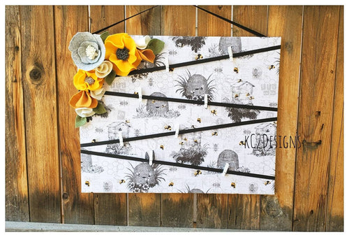 Bee note board. Bumble bee.  Message board. Note board.  Felt flowers. Prayer board. Bees. 2020 trends. Large note board. Bees. Office decor