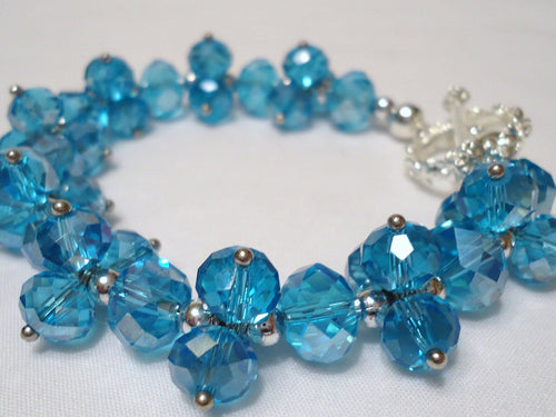 Crystal bracelet. Aqua Crystals. Teal Cluster Bracelet. wedding bracelet. 2021 color of the year. Holiday gift. Aqua