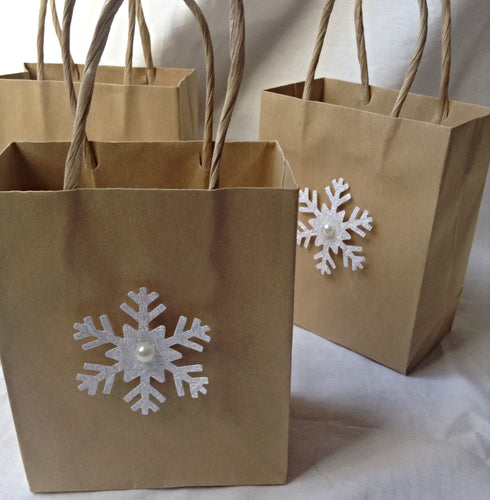 Wedding favor bags. wedding gift bags. gift bags. Christmas favor bag. Wedding favors. Snowflake gift wrap