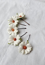 hair accessories. hair pins. bobby pins. flower hair pin. wedding hair pins. bridesmaids. flower girl. Daisy hair pins.