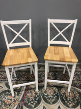 "Load image into Gallery viewer, Set of 2 24"" Virginia Counter Stool Hardwood/White"