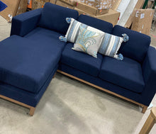 "Load image into Gallery viewer, Tommy Hilfiger Berkshire 86.5"" Right Hand Facing Sectional"