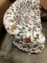 "Load image into Gallery viewer, Quinones Chesterfield 54"" Rolled Arms Loveseat"