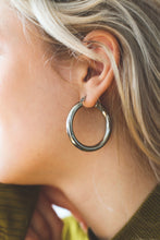Load image into Gallery viewer, Easy Bold Hoop | stainless steel silver / gold earrings