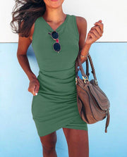 Irregular cross sleeveless hips