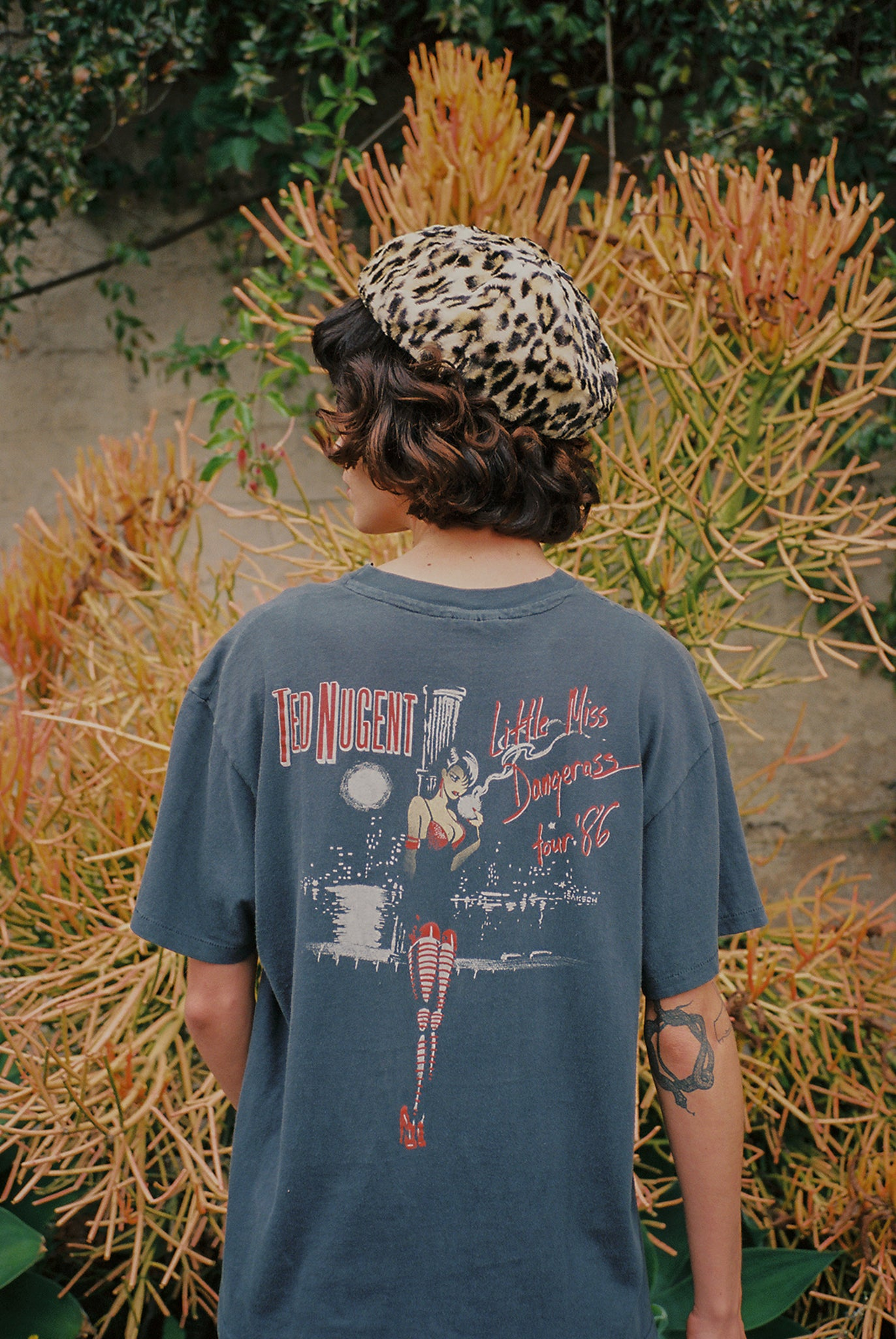 Vintage 1986 ted nugent little miss dangerous promotional tour tshirt