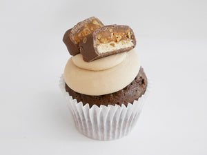 6 Snickers Cupcakes
