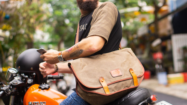 Ridgeback motorcycle messenger