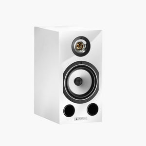 The Comète is one of the most famous and appreciated Triangle speakers in the Hi-Fi industry and the latest Ez Generation justifies this reputation. The Comète is renowned for its incredible performance throughout the lower frequencies.