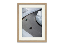 Load image into Gallery viewer, Snow road skaters 2