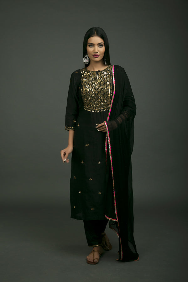 Shalimar Aari Embroidered Kurta Set with Dupatta (Set of 3)