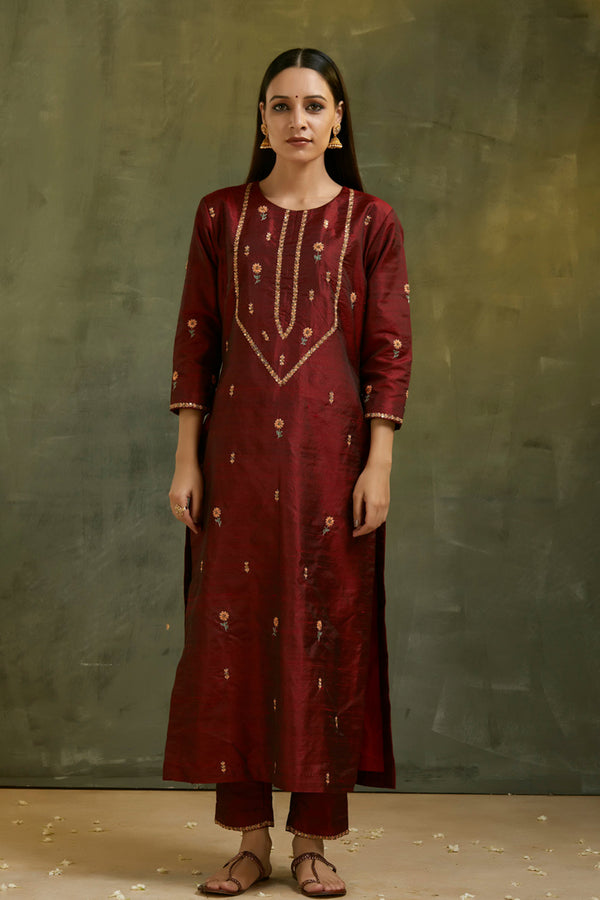 Falaq Hand Embroidered Bootah Kurta & Pant (Set of 2)