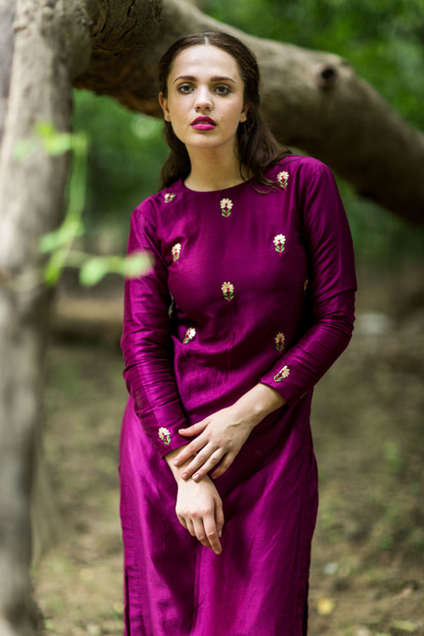 Burgandy Embroidered Bootah Kurta