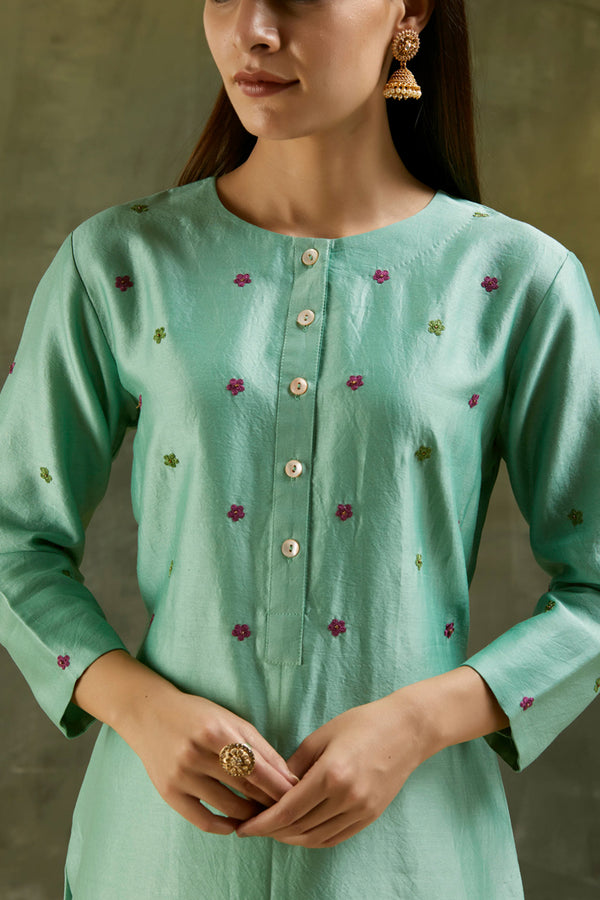 Zinnia Hand Embroidered Floral Kurta