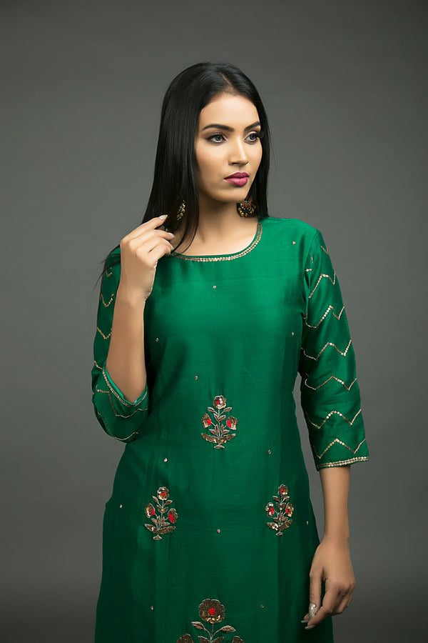 Hara Phool Baag Embroidered Kurta
